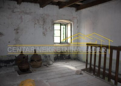house for renovation 26