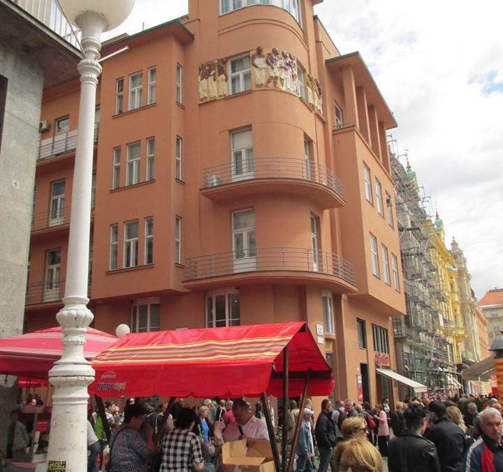 Zagreb Sehenswürdigkeiten  Dolac Bauernmarkt